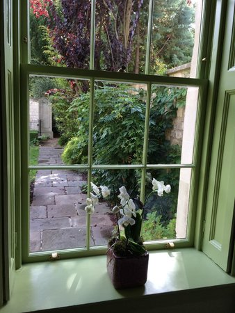 The Royal Crescent Hotel & Spa: View from bedroom