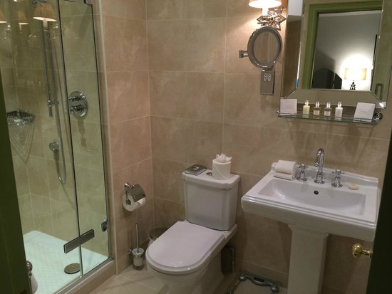 The Royal Crescent Hotel & Spa: Modern bathroom
