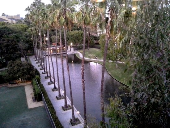 Avenue of the Arts Costa Mesa: view from 6th floor hallway window