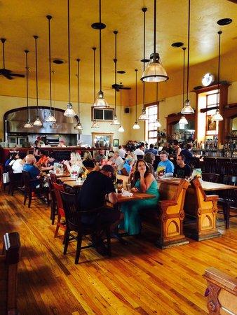 Clarkston Union Bar & Kitchen: Inside of dinning area