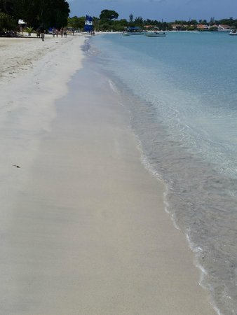 Hotel Riu Palace Tropical Bay : Serene Beach