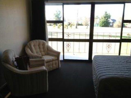 Mackenzie Country Inn: Balcony