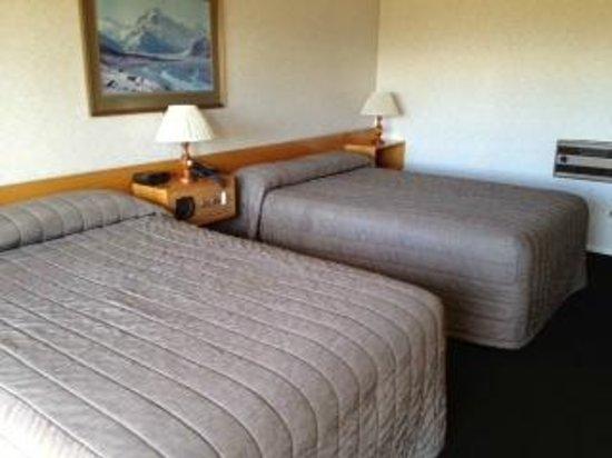 Mackenzie Country Inn: Bedroom