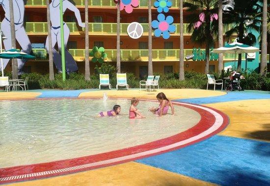 Disney's Pop Century Resort: kiddie pool/splash pad