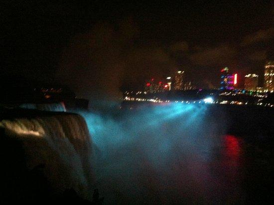 Maid of the Mist: Niagara Falls at night
