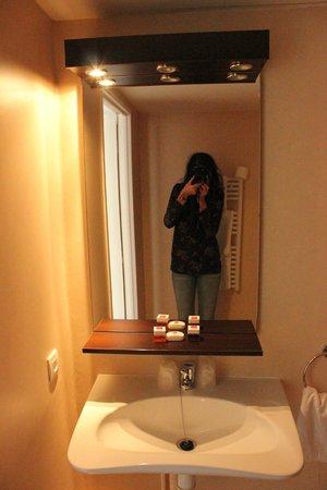 Sejours & Affaires Paris Malakoff Hotel : Lavandino