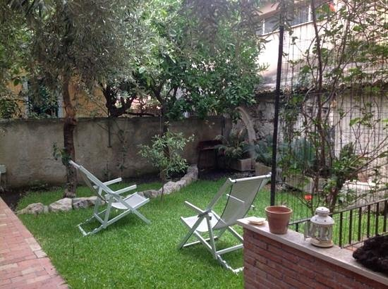 Villa al Duomo: Peaceful, private garden