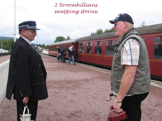 Strathspey Steam Railway: 2 Broomhillians swapping stories
