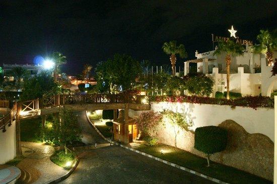 Melia Sinai: Территория отеля