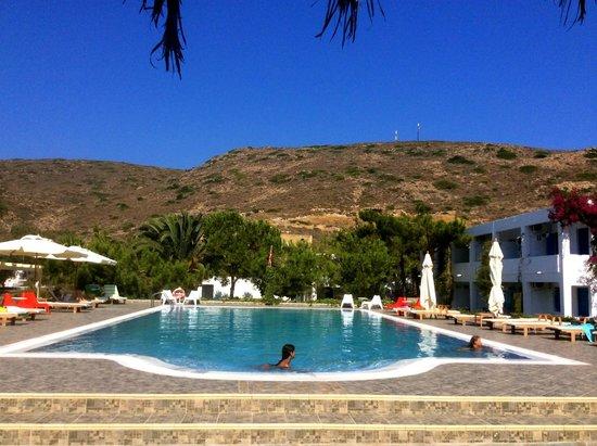 Lagada Beach Hotel: PISCINA