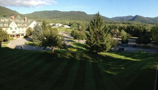 Golden Eagle Lodge: Panoramic view from the suite 533