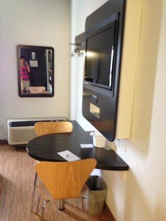 Motel 6 Cedar Park: Room