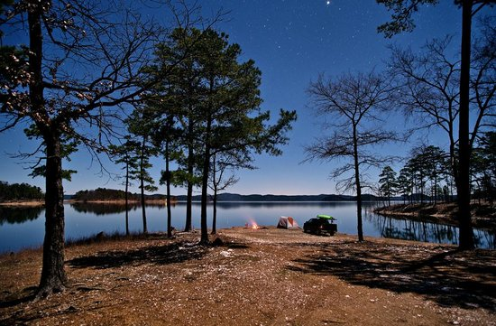McCurtain County, โอคลาโฮมา: Camping by the Lake