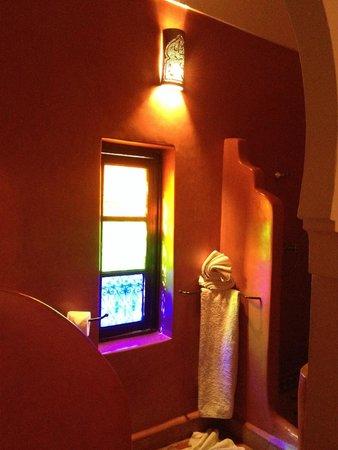 Riad Mehdia : gorgeous bathroom