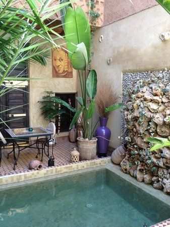 Riad Mehdia : the pool is small but very refreshing and LOVELY