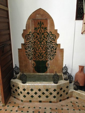 """Riad Mehdia : I thought this """"mail-slot"""" style fountain was very original"""