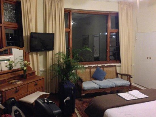 Brenwin Guest House: Kamer 1 met onze koffers