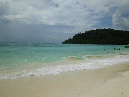 Strand mit Gewitterstimmung - Bild från Ko Rok Nok, Ko Lanta - TripAdvisor