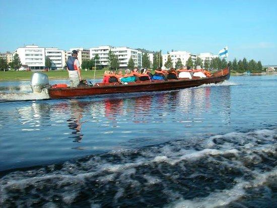Pueblo de Santa Claus: River trip