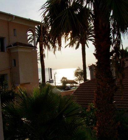 Hotel Reine d'Azur: Vista dal balcone