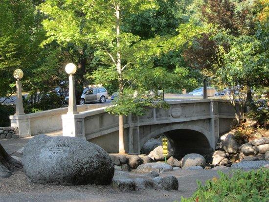 Lithia Park: bridge