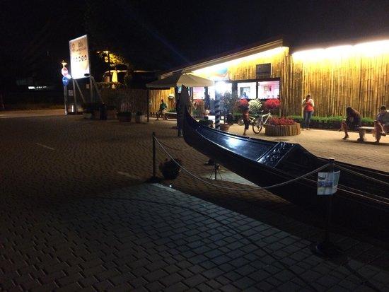 Camping Village Jolly: L' entrata con la gondola