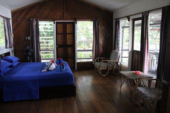 Uepi Island Resort : our room