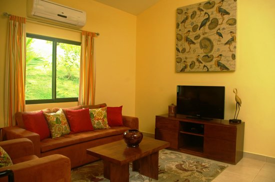 Osa Mountain Rainforest Villas & Adventures: Living room