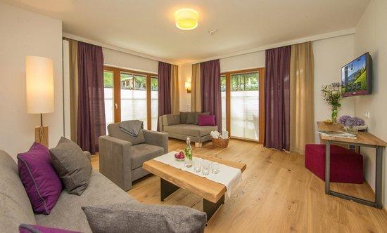 "Hotel Stadt Wien: Suite ""zur Wohltat"" living room"