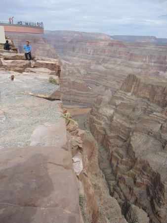Grand Canyon Skywalk: The depth you can expect to see