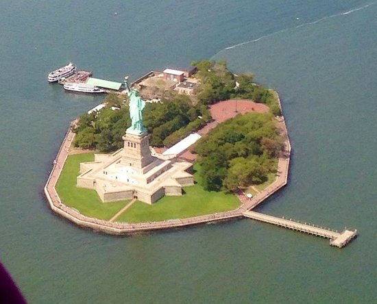 Helicopter Flight Services - Helicopter Tours: My first time in NYC and this is how I spend it....couldn't ask for more!