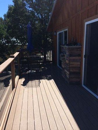 Georgetown Cabins Resort: deck of the lindauer cabin