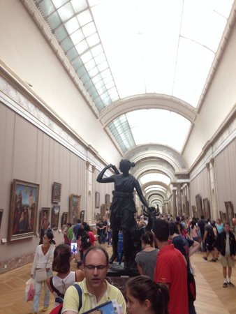 Musee du Louvre: The hall