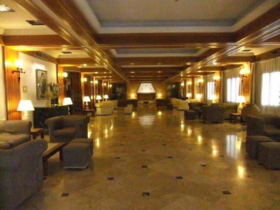 Hotel Fernando III: salon dans l'entrée