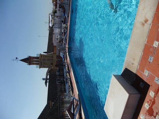 Hotel Fernando III: piscine sur le toit