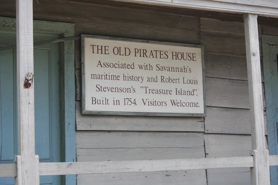 The Pirates' House : Pirate House