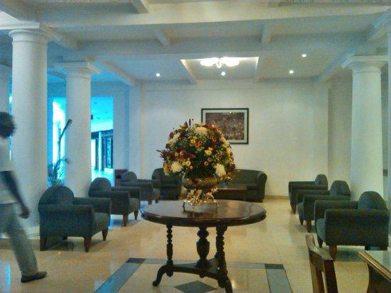 Hotel Suisse: Hall