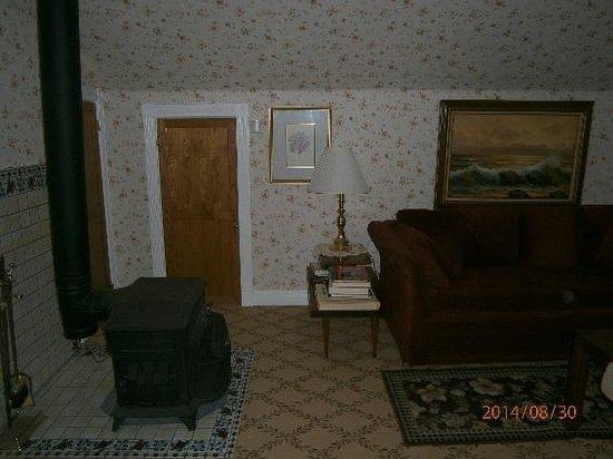 Ye Olde Danish Inn: Aaldorf Suite, Living room