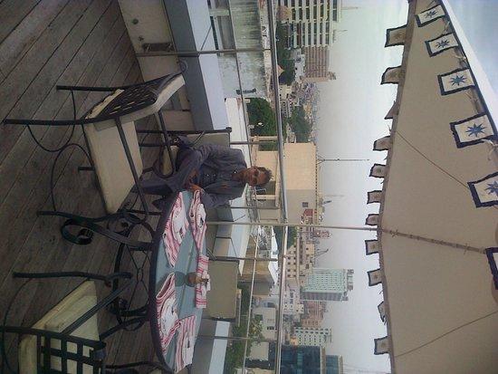 Taj Club House : Roof top dining area - Kefi