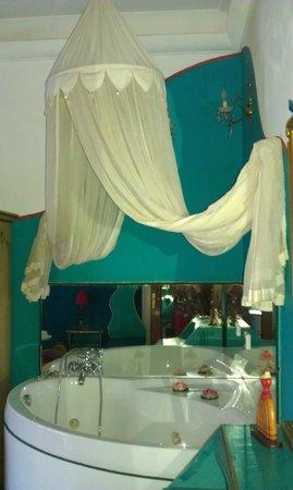 Abali Gran Sultanato: vasca da bagno