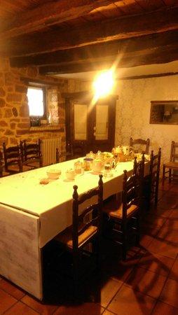 Hotel Rural La Gándara: MESA DEL COMEDOR