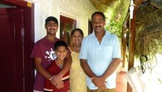 Rose Gardens Homestay: Tomy with his family