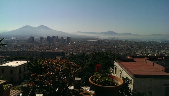 La Torre di Ro: View to Vesuvius and the city centre