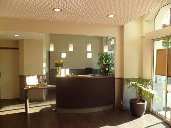 Hotel Moderne: Reception hotel juin 2014