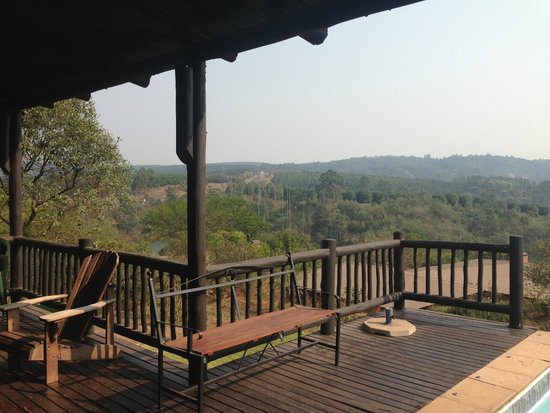 Hulala Lakeside Lodge: Kiepersol View from Deck