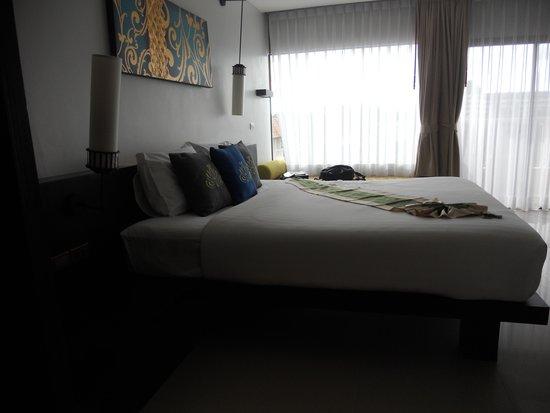 Palmyra Patong Resort: bed  room
