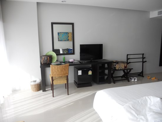 Palmyra Patong Resort: clean bed room 1