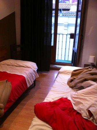 Hostal La Casa de La Plaza: chambre ( desolé pour l'etat rassurez vous on l'a pas trouvé ainsi )