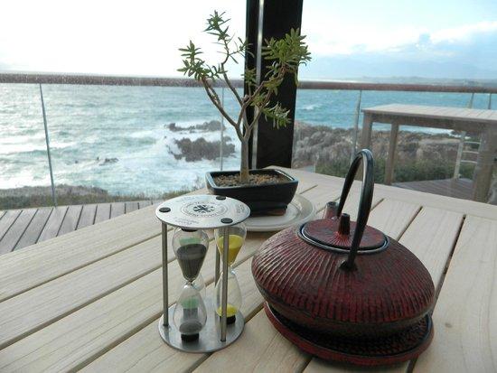 Cliff Lodge: La vetrata sulla baia
