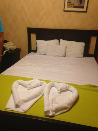 Hotel Don Carmelo: Bed